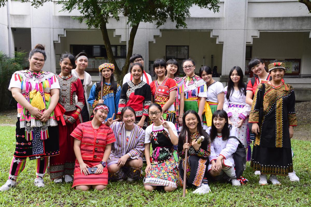 慈濟科技大學學校有四分之一(八百多位)原住民學生,涵蓋台灣13個族群。