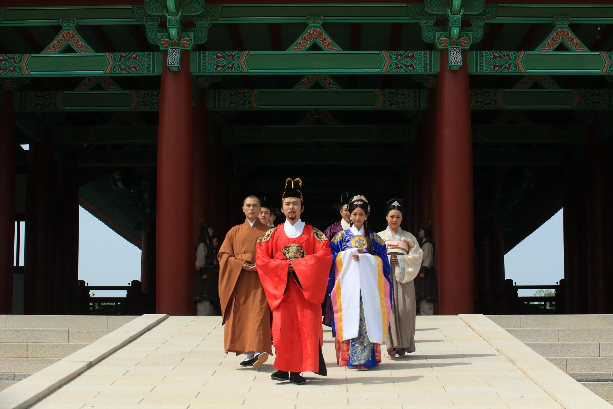 唐美雲飾演元曉大師團隊前往韓國慶州拍攝 大愛電視提供