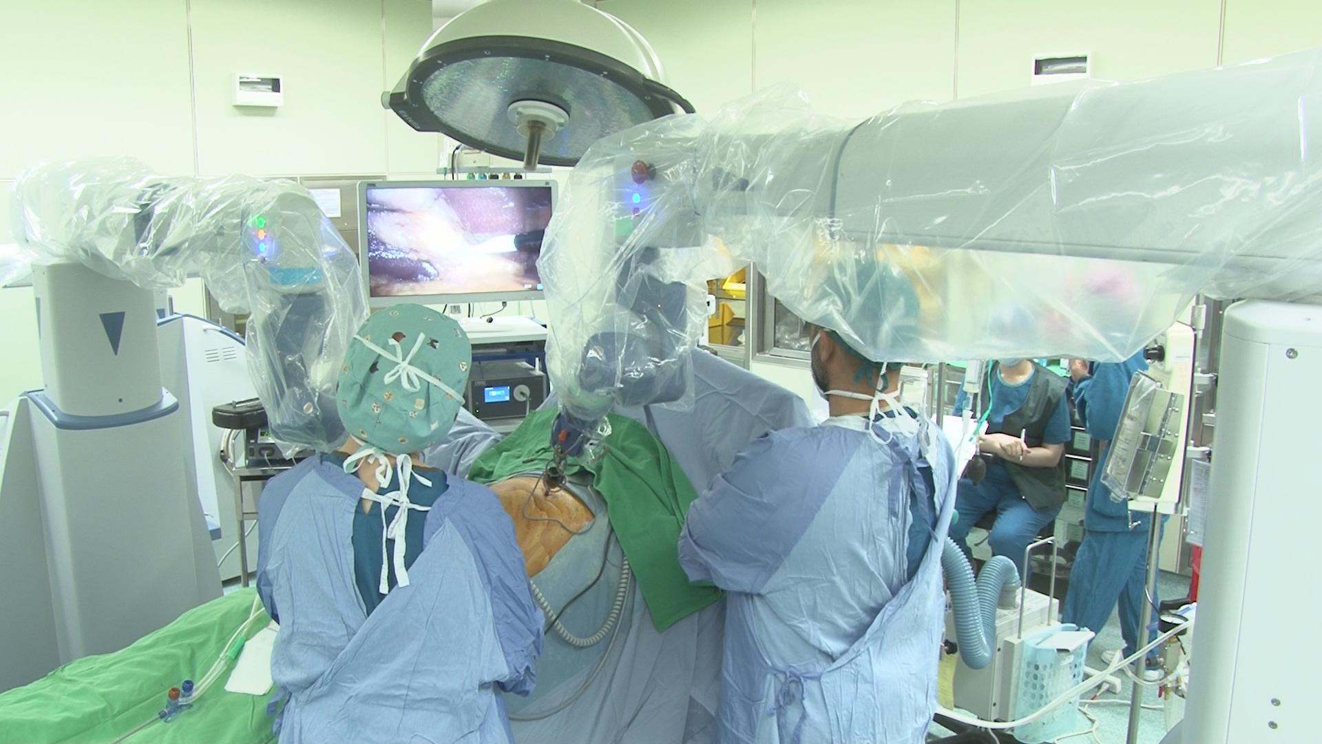 臺中慈濟醫院機器手臂啟用,手術精準度再升級。