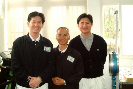 張勝昌組長參與偏鄉義診(左一)。