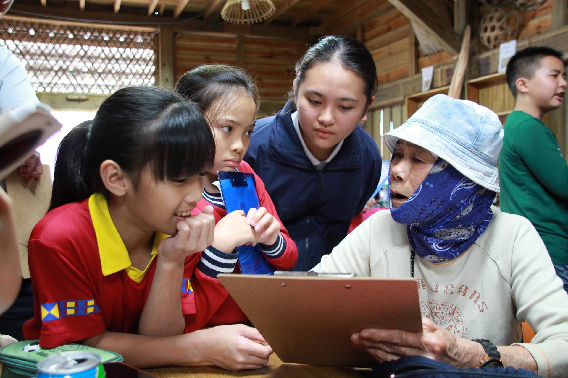 黃韻宇同學大學期間積極參與服務性活動,服務過程中更看見了自己的成長。