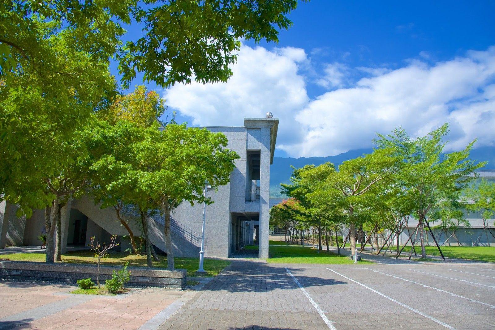 慈濟大學檢疫宿舍校區環境(非此棟)