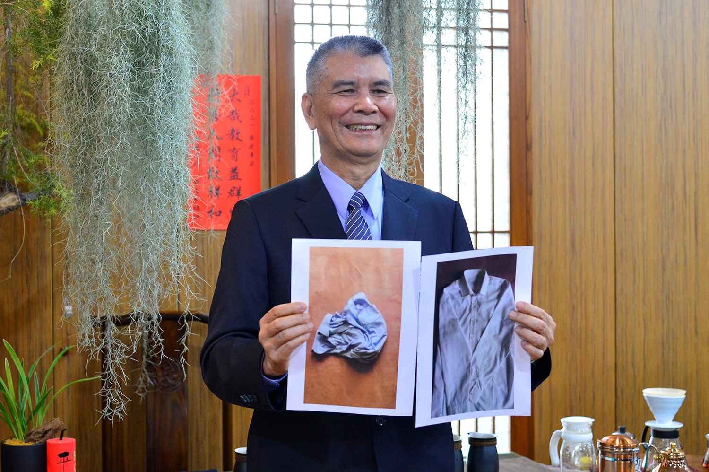 林坤旺過去都穿如右邊照片一件需要數千元的名牌,但他卻穿左邊回收來的襯衫。(攝影:歐明達)