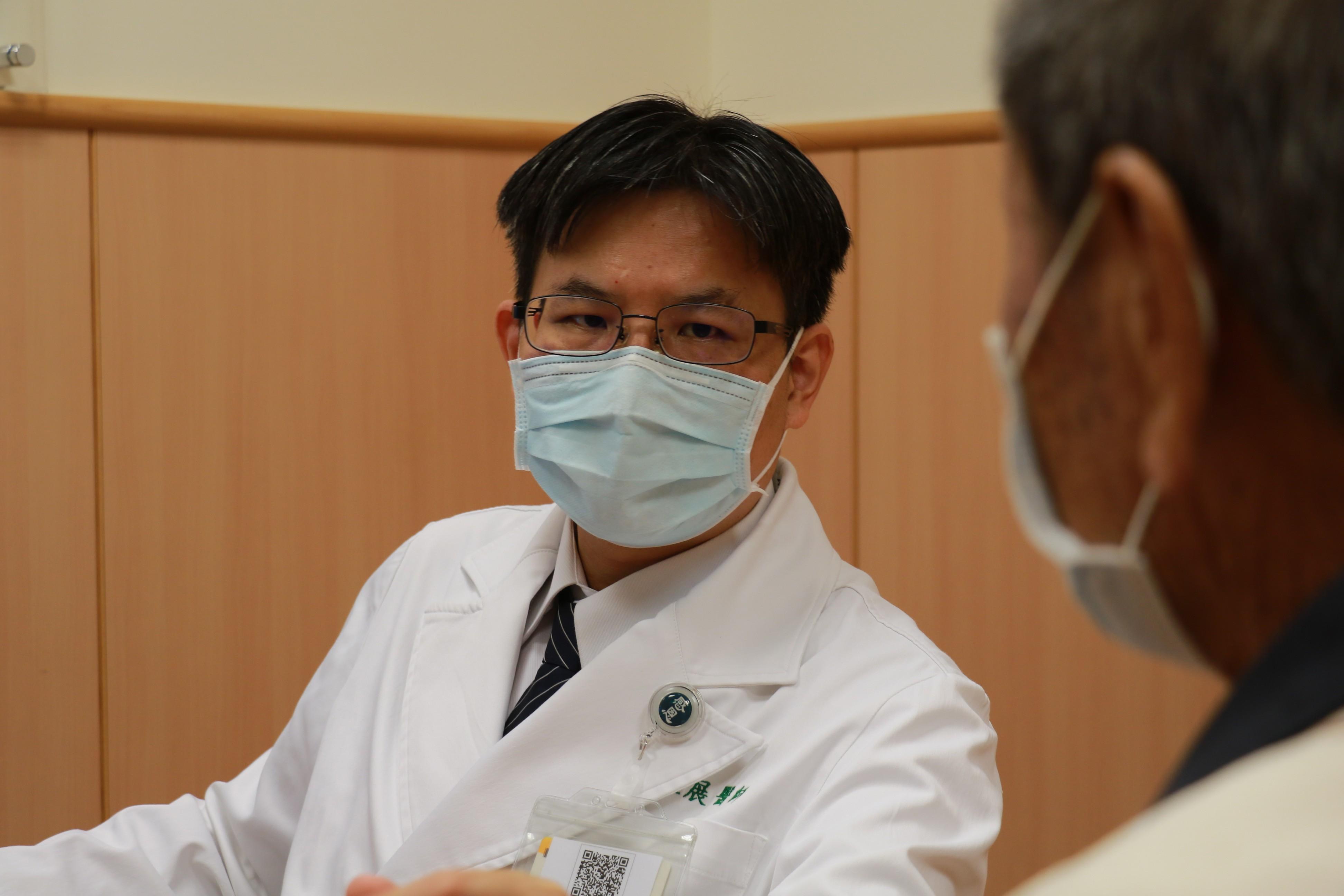 癌友是否要接種流感疫苗?余政展主任建議應諮詢主治醫師,決定接種與否與適當時機。