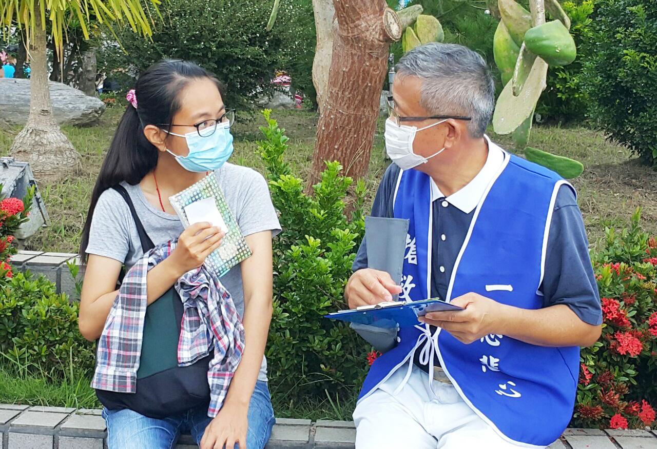 臺中港區慈濟志工把握健行活動因緣,邀約髓緣有愛有緣人。