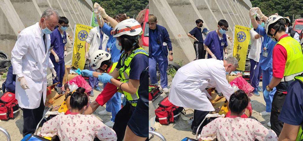 77歲的慈濟醫療志業執行長林俊龍(穿白袍者),在得知太魯閣號失事後,立即趕到事故現場搶救。(圖:李青海攝)