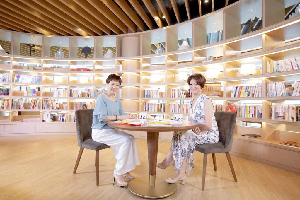 夏韻芬喟嘆「我們聰明得太遲、老得太快,但書可以一直陪伴,是最好的良伴。」