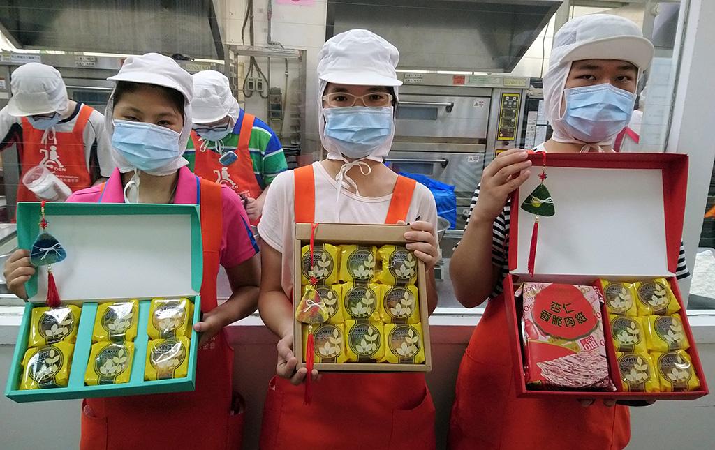 伊甸烘焙庇護工場端午手工餅乾禮盒 桃園台中台東三場聯賣,邀民眾踴躍認購。