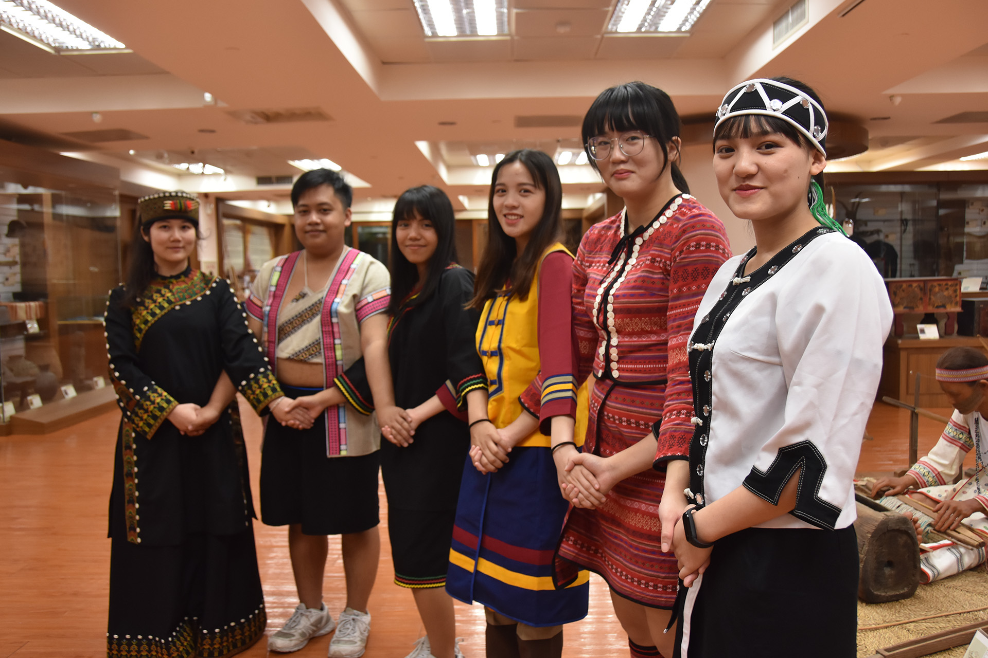 慈濟科技大學每年招收100名原住民公費生。