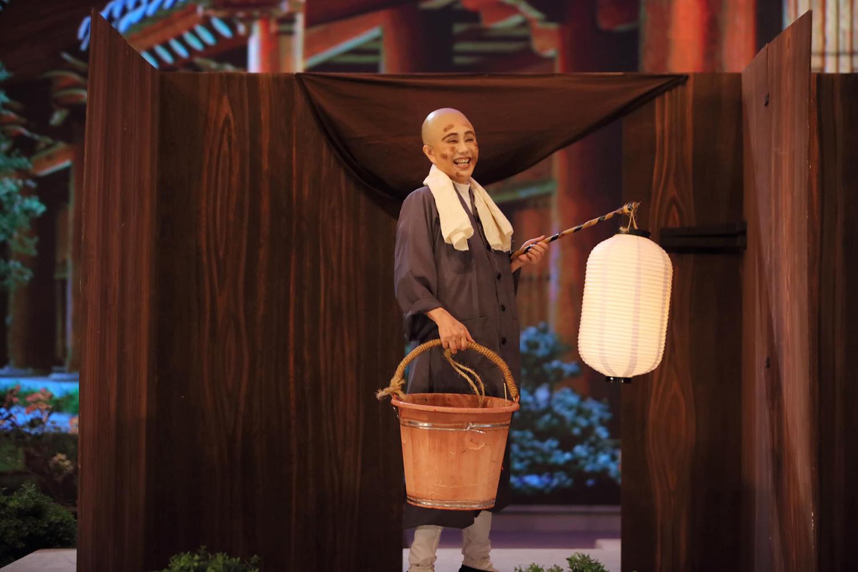 妙峰禪師任淨頭清掃廁所。