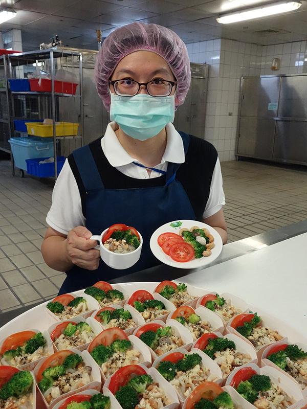 大林慈濟醫院營養師黃靖琇分享使用淨斯產品入菜的優質蛋白質食譜