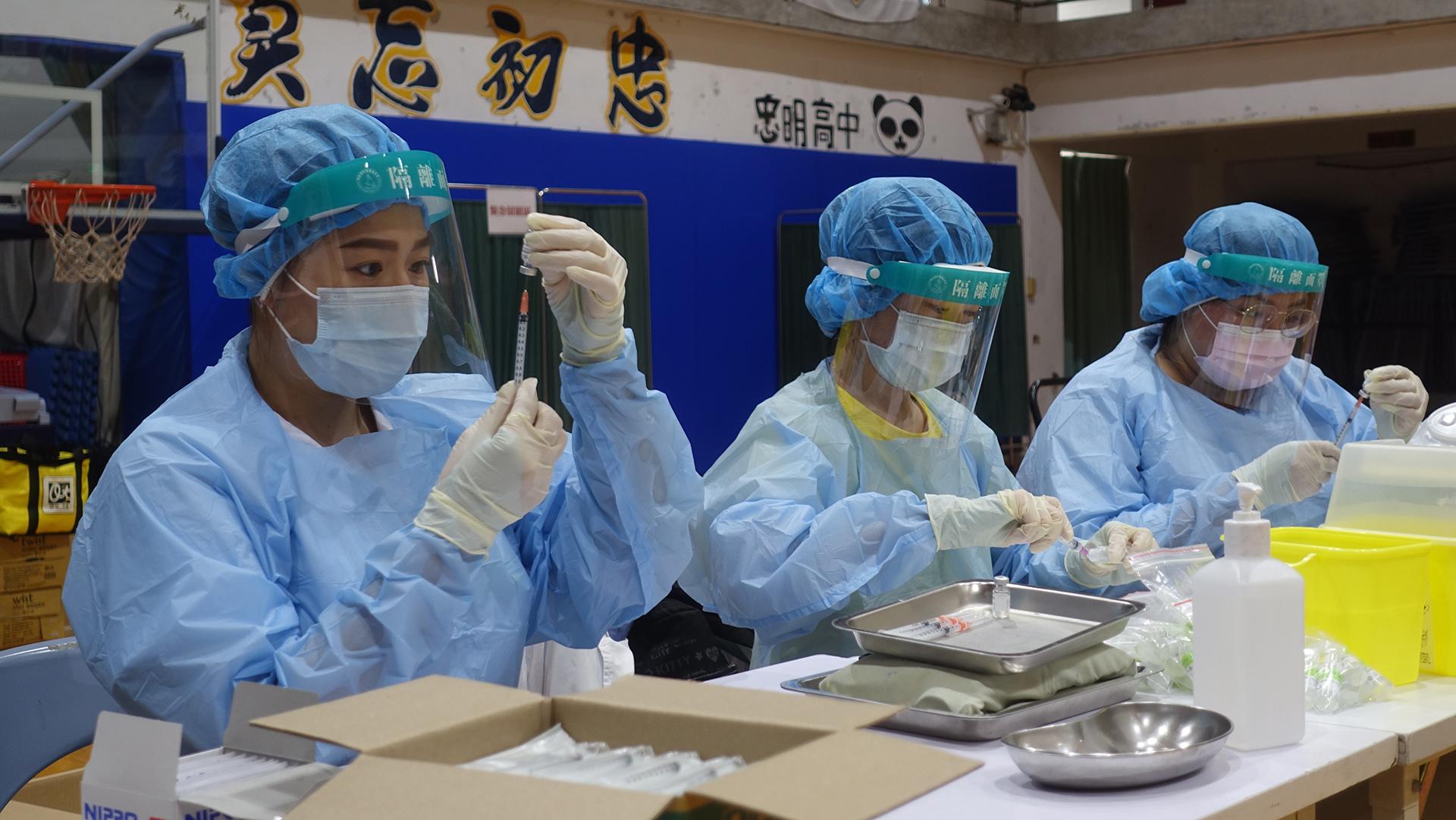 台中市9月23日起為高、國中學生進行BNT疫苗第一劑接種作業。
