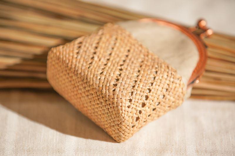 結合其他材質,藺編用途更為寬廣。